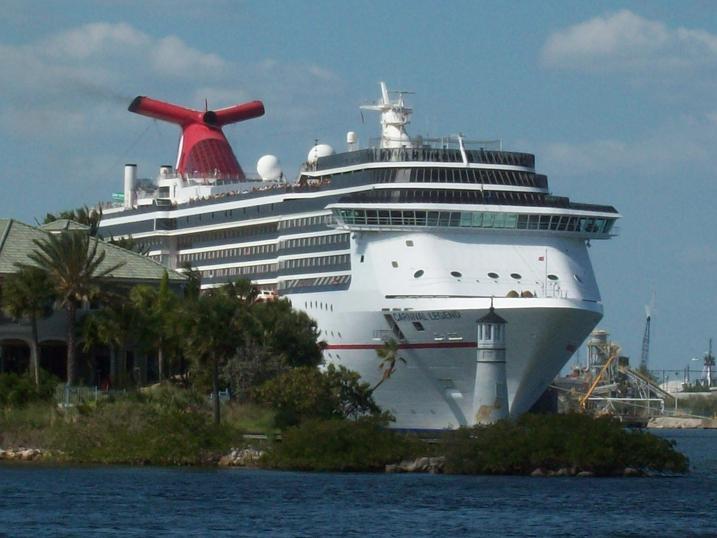 Cruise Ship 011